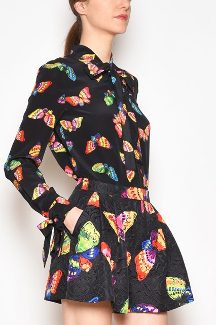 BOUTIQUE MOSCHINO 'Butterflies' printed silk shirt with bow on the collar and on the cuffs