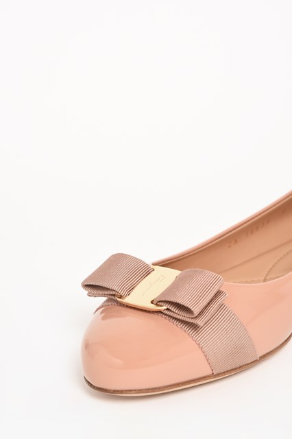 SALVATORE FERRAGAMO 'Varina' flat shoes in calf leather