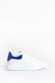 ALEXANDER MCQUEEN Leather sneaker with oversize sole and velvet blue insert on the back