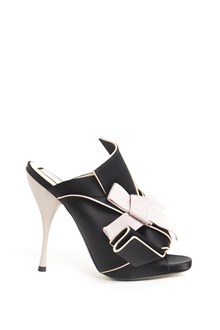 N°21 Shoe with bow and details